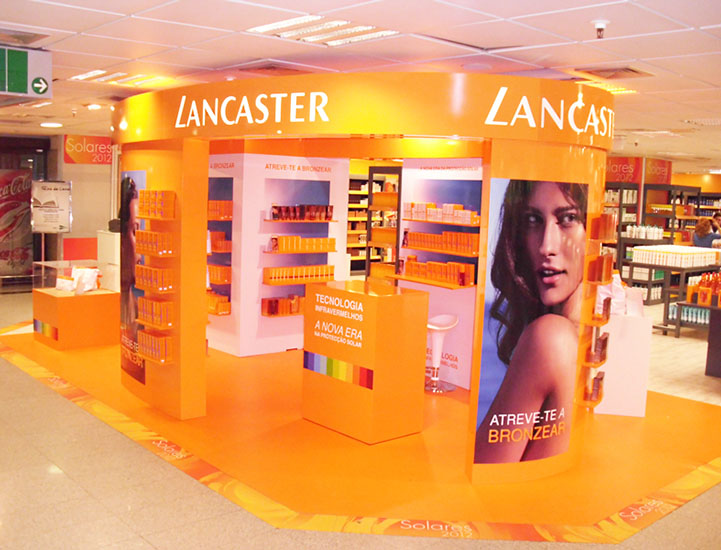 stand_promocional_lancaster_sol_eci_lx.jpg