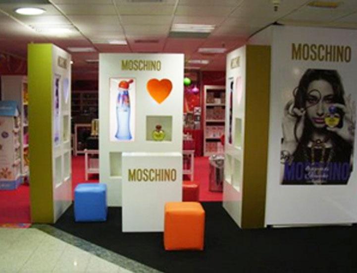 stand_moschino_eci_lx2
