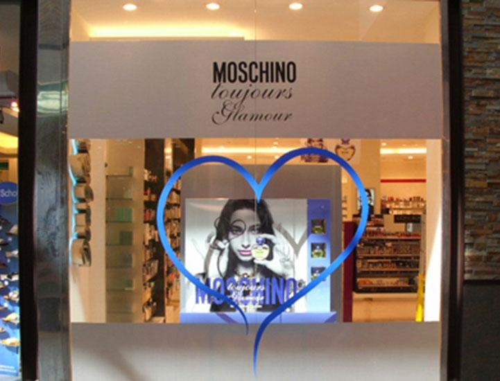 moschino_douglas
