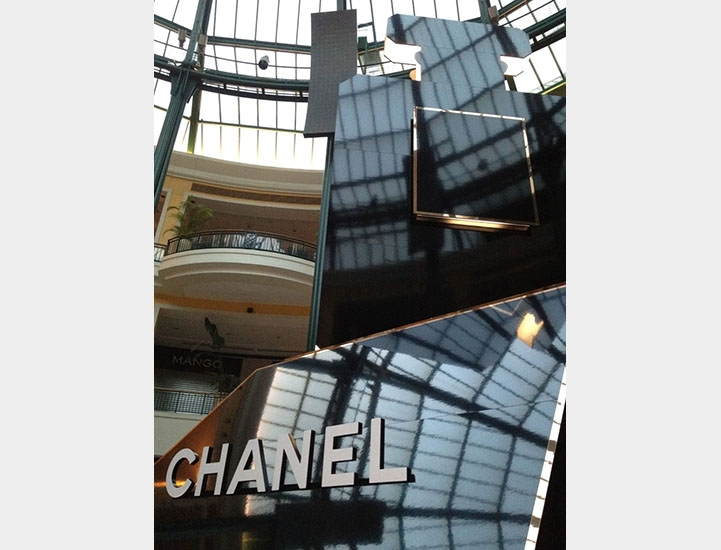 stand_chanel_coco_noir_cc_colombo5